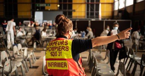 Au vaccinodrome de Toulouse, «nous sommes tous mobilisés collectivement»