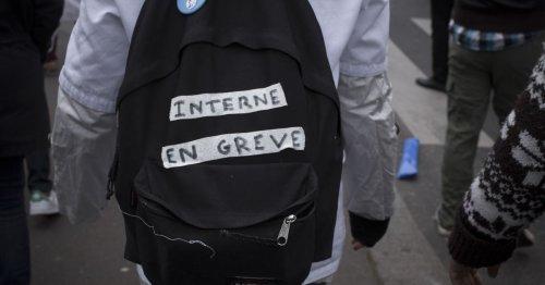 Manif des internes : «Notre génération n'acceptera pas de se tuer à la tâche»