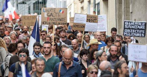 Avec 63 000 manifestants en France, l'opposition au pass sanitaire continue à désenfler