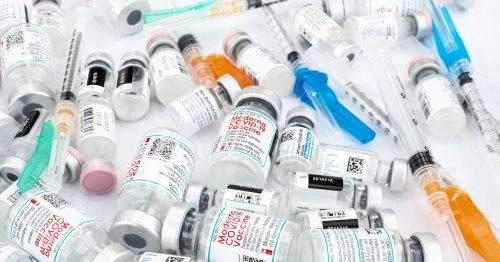 Covid-19 : un vaccin différent pour la 3e dose serait plus efficace selon l'Agence européenne des médicaments