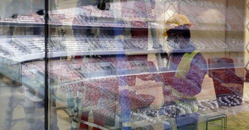 Qatar : doit-on jouer au football sur un cimetière ?