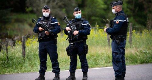 Le forcené des Cévennes qui se rend, manifestation propalestinienne à Paris interdite, le Covid plus meurtrier en 2021 qu'en 2020… L'actu de ce vendredi
