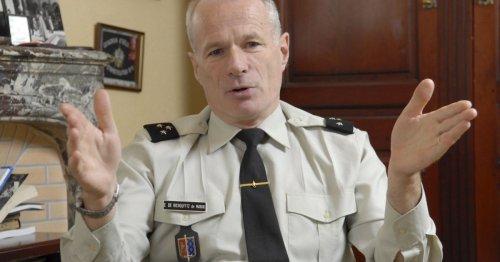 Le général Richoufftz, signataire de la tribune dans «Valeurs Actuelles», est-il «apolitique» comme il le prétend ?