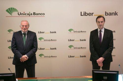 Unicaja Banco y Liberbank comienzan a cotizar como grupo tras la fusión