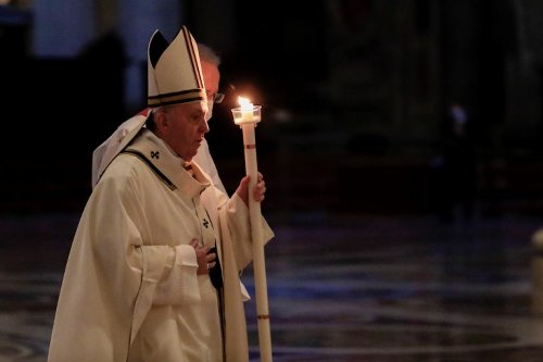 Pope Francis prays for India as thousands more die of COVID-19