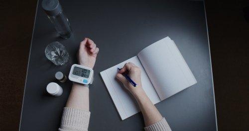 Blutdruckmessgerät fürs Handgelenk zum Messen der Werte