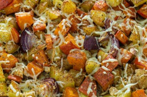 Gerösteter Kürbis mit Kartoffeln vom Blech