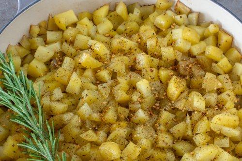 Beilagen-Kartoffeln aus dem Bräter   Ofen-Rezept