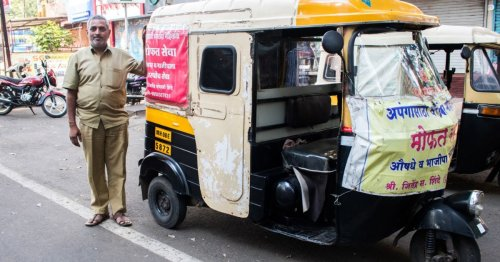 This Auto Driver Spent 1.5 Lakh From His Savings, Ferried 1000+ COVID Patients To Hospitals For Free