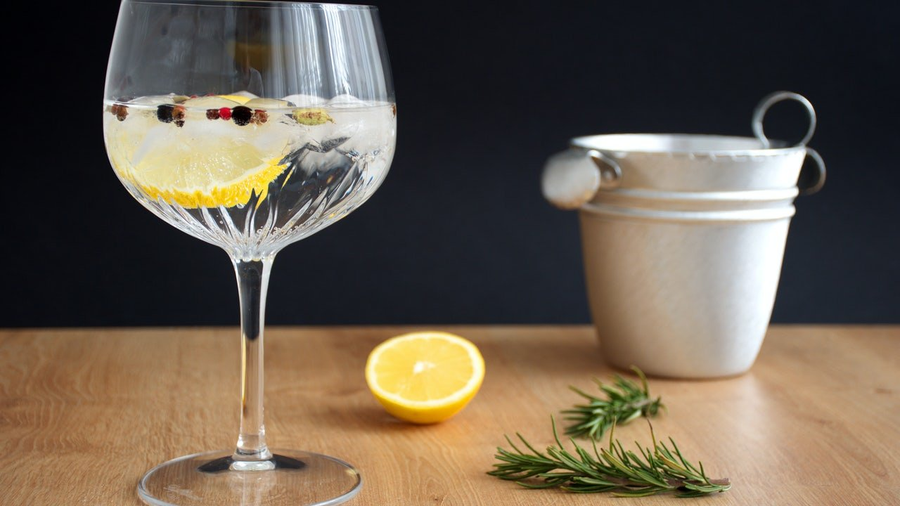 9 Gin-Credible Ideas for What to Drink - cover