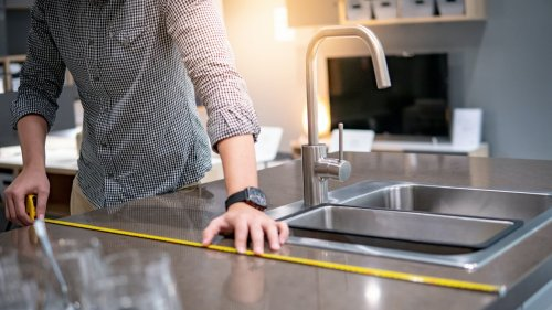 How to Refresh Old Countertops Without Replacing Them