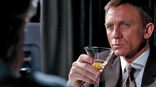 How To Master The Martini Cocktail, Shaken or Stirred