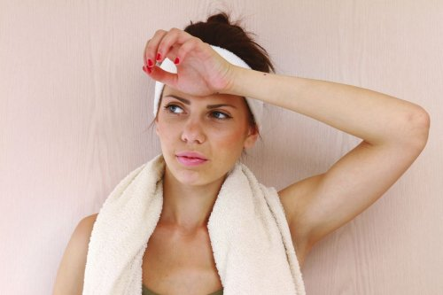 Schweißgeruch & Körpergeruch • Tipps, was hilft