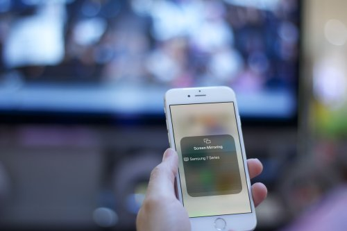 How to Mirror an iPhone to a TV Without Apple TV