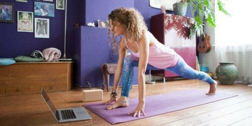 Evinizde Yoga Yapıp Dengeli ve İyi Hissetmek İçin 6 Akıllıca Öneri