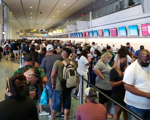Spirit Airlines Collapses: Riots Break Out As Agents Told To Flee Airports For Their Own Safety