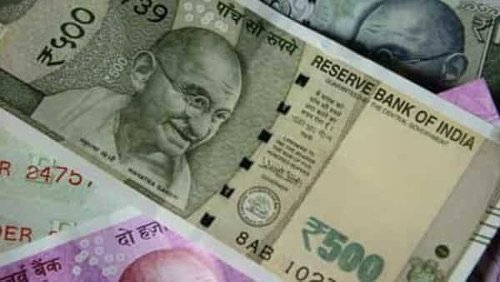Govt's 10-year bond yields rise 4 bps ahead of weekly auction