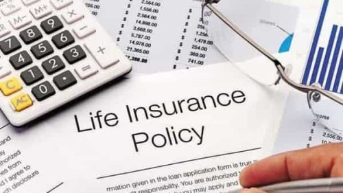 Shocked by Covid deaths, Indians rush for life insurance