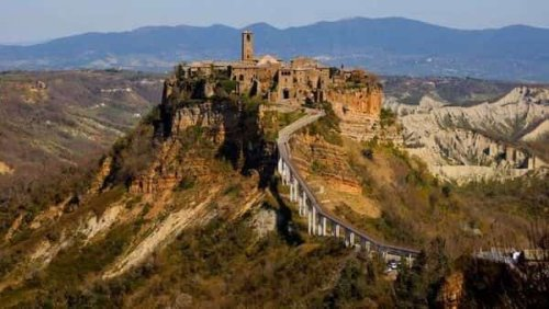 Italy's 'Dying Town' seeks UNESCO heritage nod