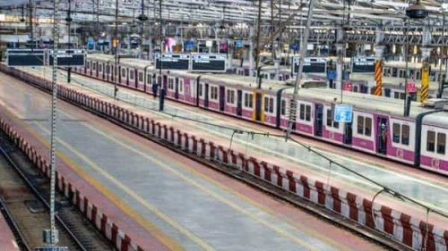 Another crisis in making? Migrant workers fill trains out of Mumbai as jobs dry