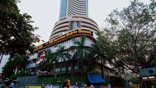 Indian markets likely to trade weak; Infosys, HDFC Bank, Bharti Airtel in focus