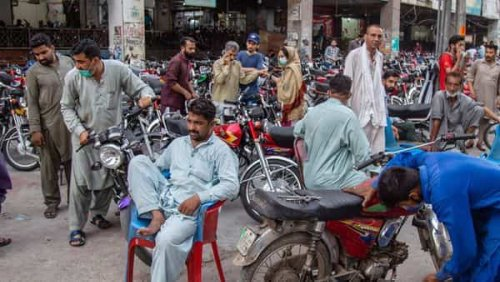 Poverty in Pakistan rises to over 5%, estimates World Bank