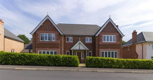 £1m house in 'exclusive neighbourhood' goes on the market