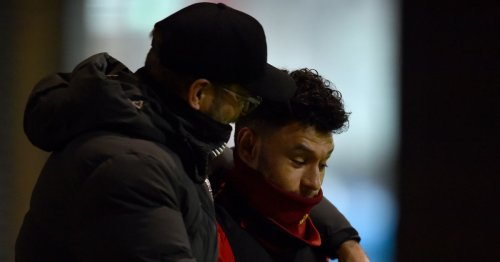 Alex Oxlade-Chamberlain told to leave Liverpool for two clubs