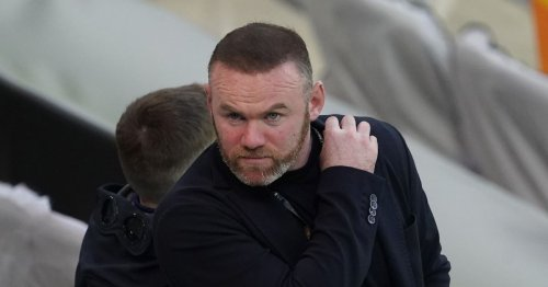 Wayne Rooney sent '£10,000 or Coleen sees this' message over pics