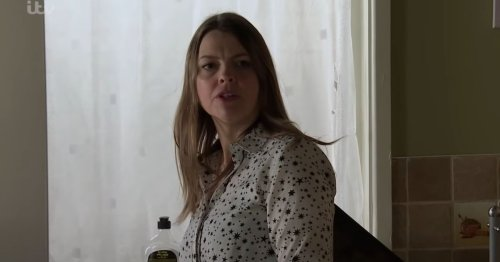 Corrie's Tracy Barlow branded 'selfish' after attack on Carla