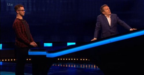 Bradley Walsh forced to step in and address The Chase contestant as fans rage