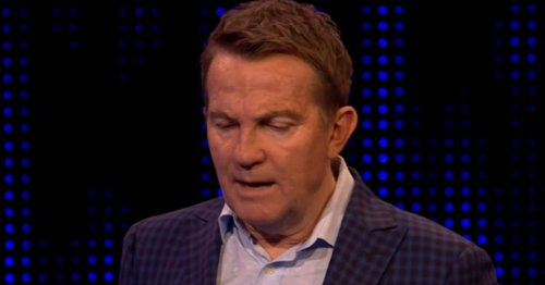Bradley Walsh steps in to address Chase star as fans savage constant habit