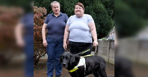'Totally' blind couple who tied the knot alongside guide dogs