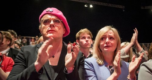 Eddie Izzard spotted in Merseyside on election campaign trail