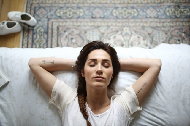 A Simple, 5-Minute Routine to Banish Anxiety Before Bed