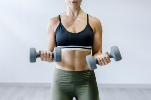 Sweat With Emily Skye With This 20-Minute Upper-Body Workout
