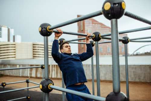 Test Your Strength With These 4 Benchmark CrossFit WODs