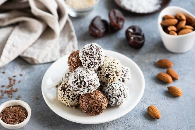 9 Easy-to-Prep Protein Balls for Quick Energy
