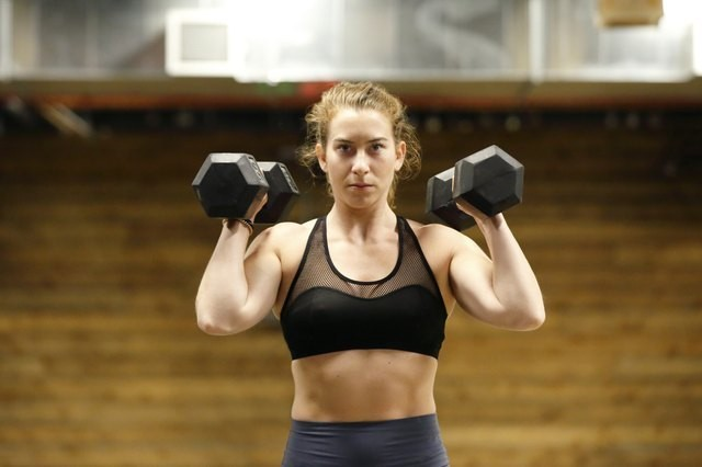 This 30-Minute Dumbbell Workout Is the Perfect Intro to Strength Training