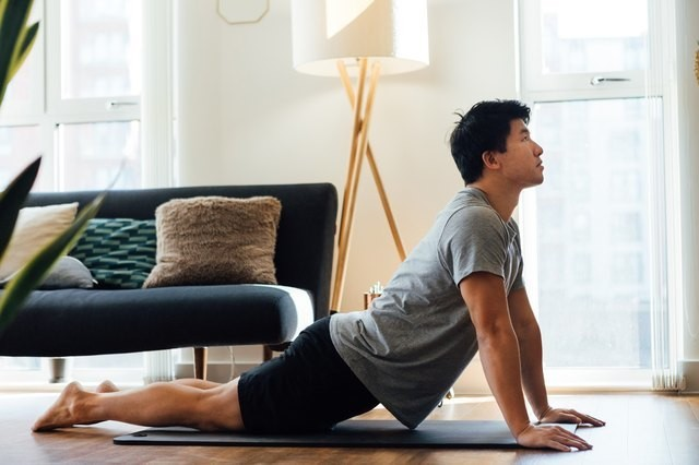 5 Full-Body Stretches You Can Do Every Day