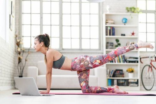 You Can Do This 20-Minute Body-Weight Butt Workout Anywhere