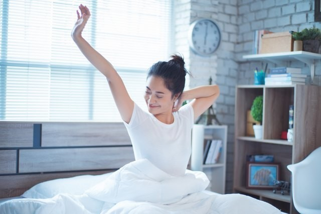 9 Easy Tips to Help You Wake Up With More Energy