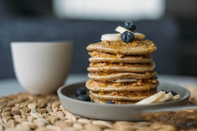 These 7 Pancake Mixes Pack 10 Grams of Protein (or More) and Clock in Under 350 Calories
