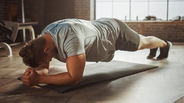 5 Plank Mistakes That Make the Move Ineffective (and Potentially Painful)
