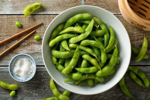 14 Healthy Foods High in Phytoestrogen to Enjoy