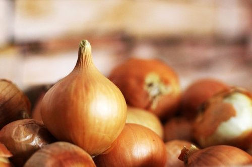 This Is Why Your Armpits Smell Like Onions