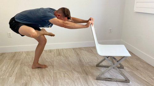 This Tiny Adjustment Relaxes Your Shoulders During Your Favorite Hip Stretch