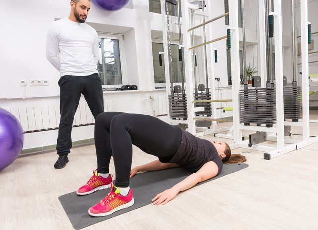 Body-Weight Exercises That Mimic the Deadlift