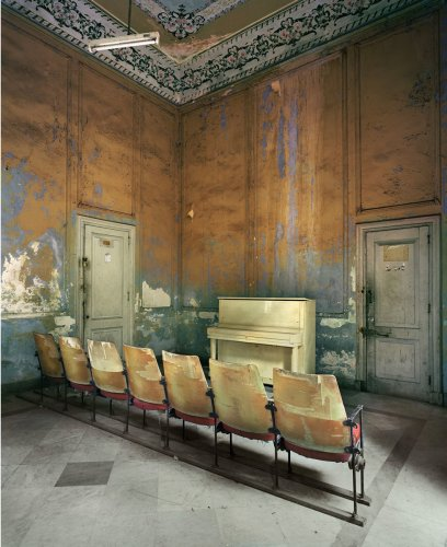 Holden Luntz : Rooms that Resonate with Possibilities : Michael Eastman - The Eye of Photography Magazine