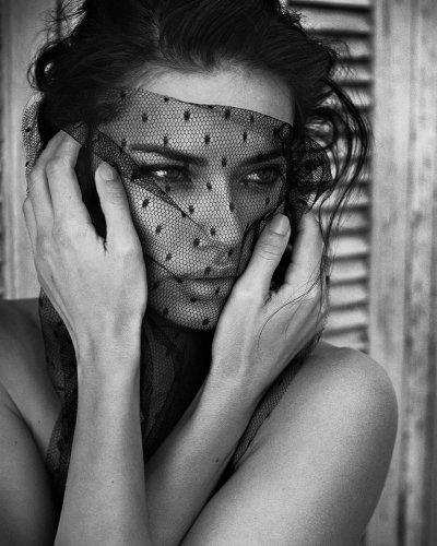 Camera Work : Vincent Peters : Adriana Lima & Emma Watson - L'Œil de la Photographie Magazine